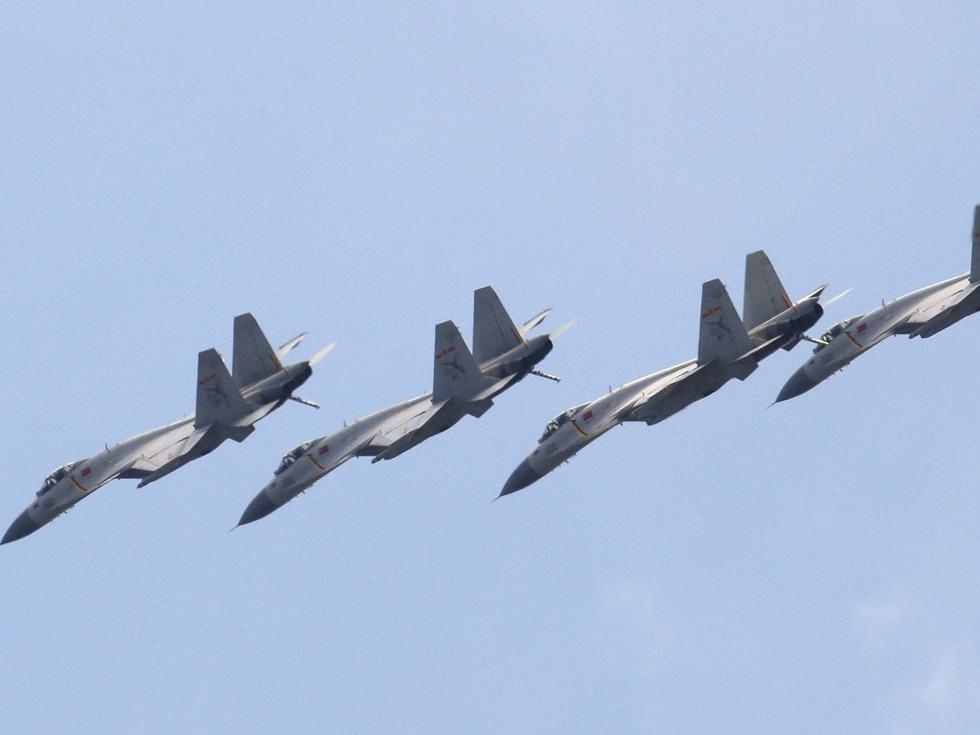 中国空军加强在藏部署 三代机频轮换