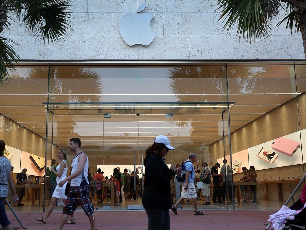 苹果股价暴涨 巴菲特10亿大抄底赚翻了 - 纽约文摘 - 纽约文摘