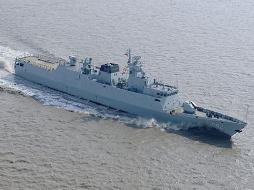 对峙美济礁 中国出动2艘战舰拦截美舰