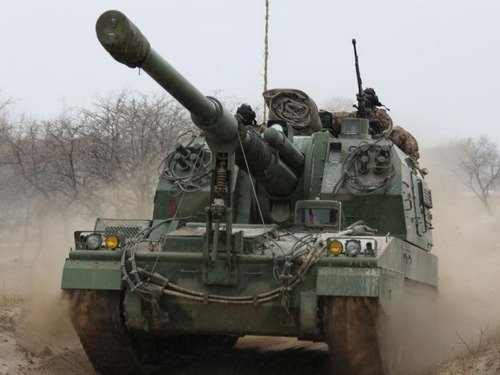 重装增援155毫米榴弹炮开赴中印边境