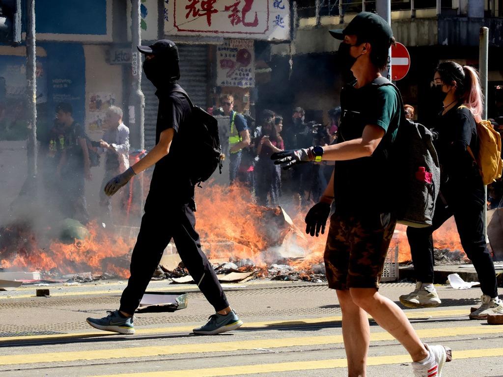 暴力示威者11·11在香港大肆破坏 多地发生暴力事件[图集]